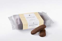 Scatola di biscottoni alle nocciole Piemonte i.g.p. e cacao fine