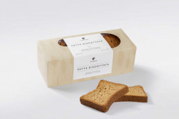 scatola di fette biscottate al grano Integrale macinato a pietra